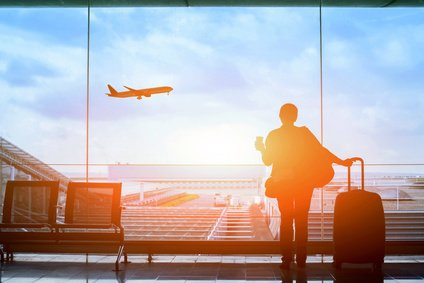 Aluminium Koffer am Flughafen